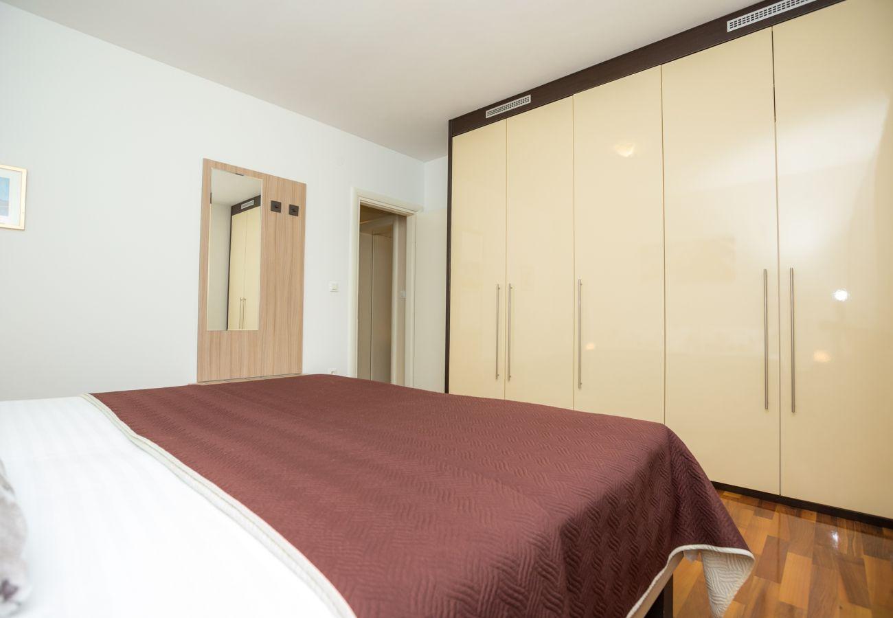 Ferienwohnung in Zadar - Poolincluded Villa Apartment ViGo