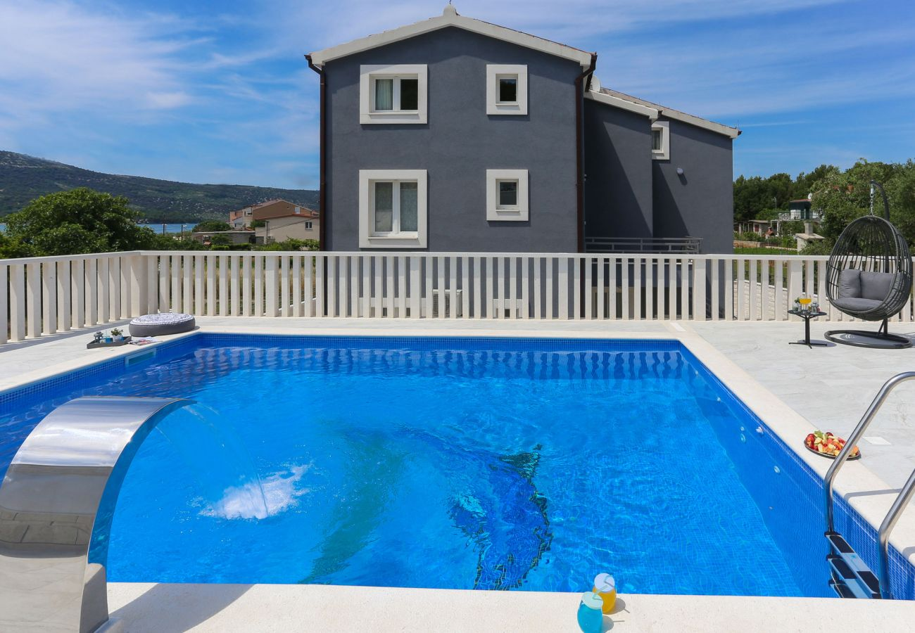 Villa in Poljica - Villa Blue Dolphin