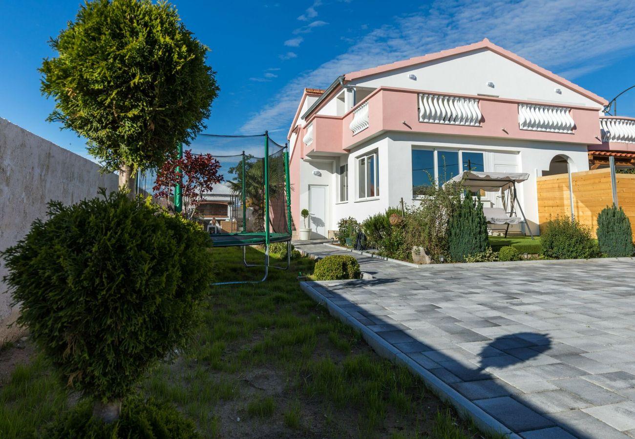 House in Galovac - Holiday home Maroko