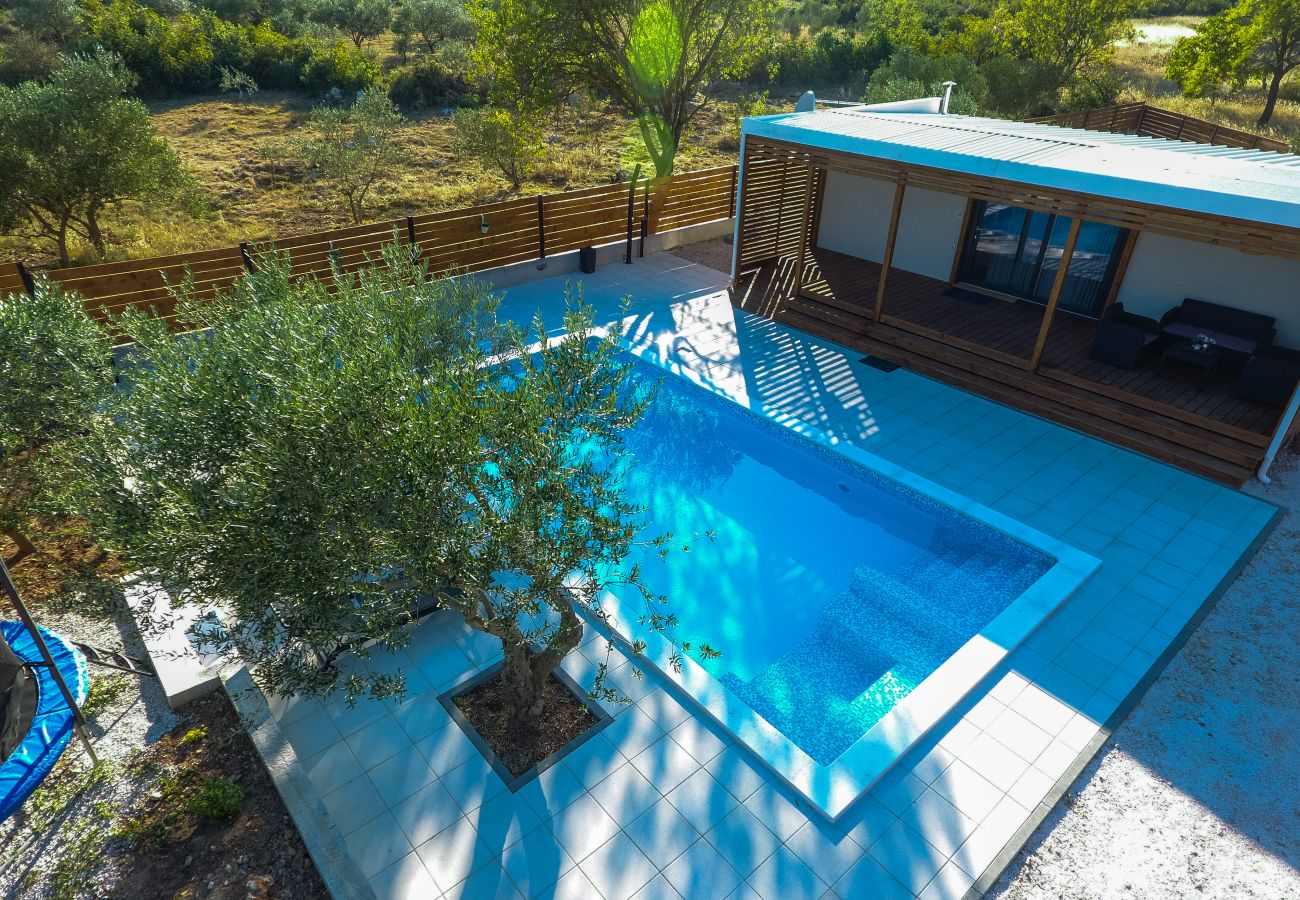 House in Donje Raštane - Holiday home Relax