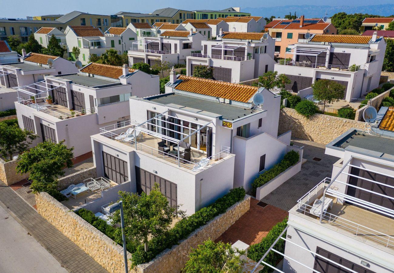 Apartment in Petrcane - Apartment Punta Skala