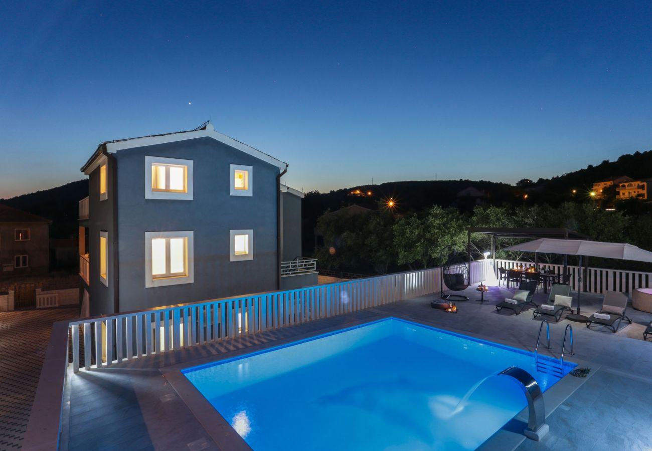 House in Poljica - Villa Blue Dolphin