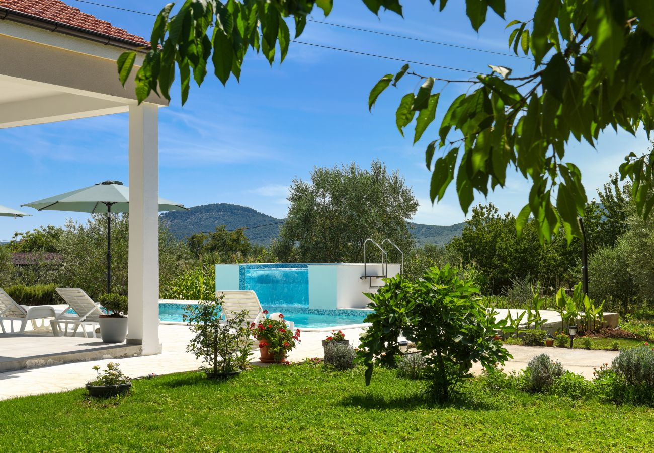 Country house in Galovac - Holiday home Anima