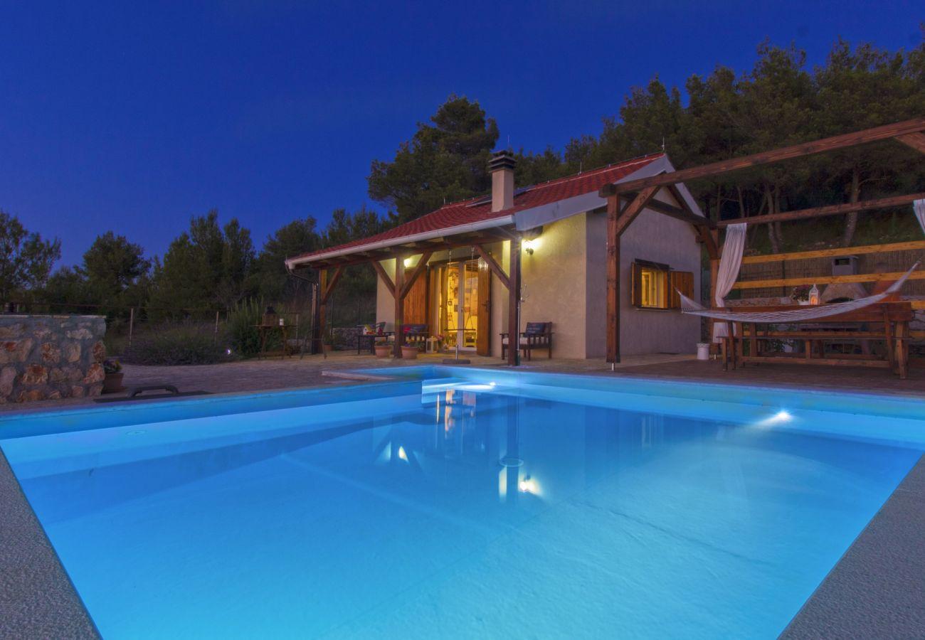 Huis in Bilice - Holiday home Parma