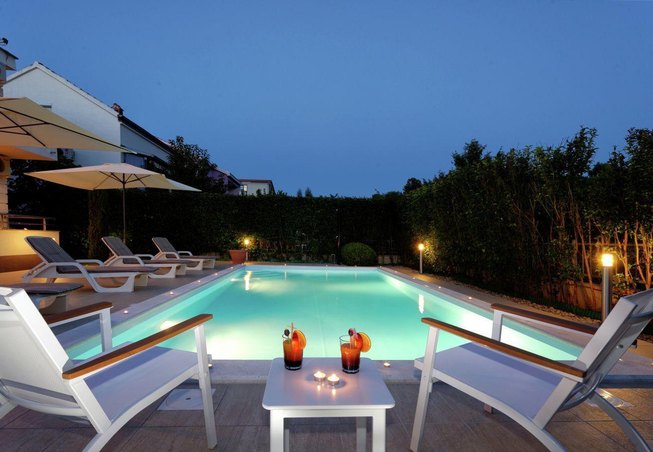 Appartement in Zadar - Poolincluded Villa Apartment ViGo