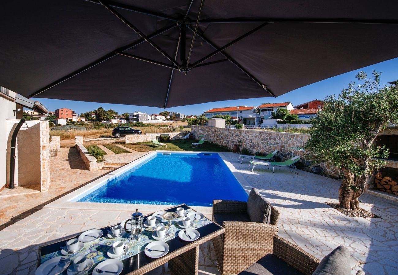 Huis in Vir - Poolincluded Villa Lozice