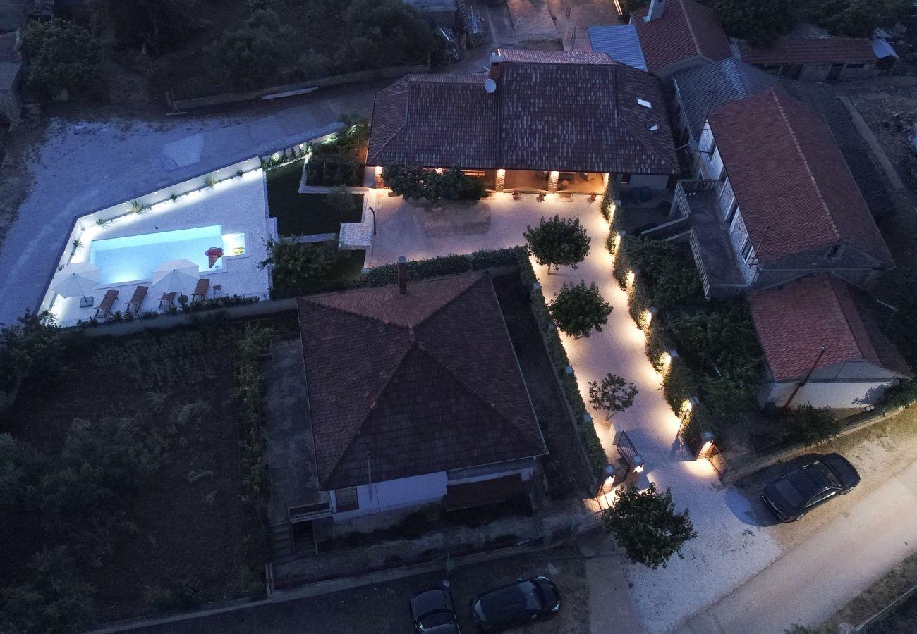 Huis in Debeljak - Poolincluded Villa Dalmatia